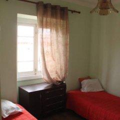 Отель Peniche Shoreline Guides Стандартный номер с двуспальной кроватью (общая ванная комната) фото 6