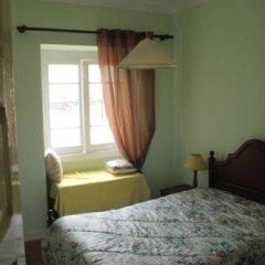 Отель Peniche Shoreline Guides Стандартный номер с двуспальной кроватью (общая ванная комната) фото 5