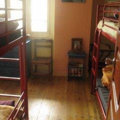 Отель Peniche Shoreline Guides Кровать в общем номере с двухъярусной кроватью фото 6
