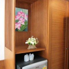 Отель Rojjana Residence 2* Стандартный номер двуспальная кровать фото 14
