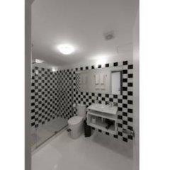 Отель Fine Arts Guesthouse 4* Стандартный номер с различными типами кроватей фото 9
