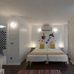Отель Fine Arts Guesthouse 4* Стандартный номер с 2 отдельными кроватями фото 14
