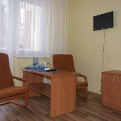 Отель Akademicki Dom Marynarza Стандартный номер с двуспальной кроватью (общая ванная комната) фото 4