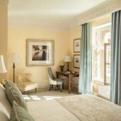 Гостиница Four Seasons Lion Palace St. Petersburg 5* Номер Делюкс с разными типами кроватей фото 12