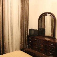 Гостиница Guest House Amelie Номер с общей ванной комнатой с различными типами кроватей (общая ванная комната) фото 7