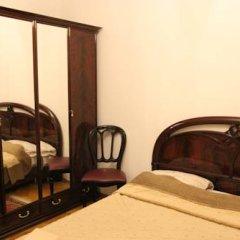 Гостиница Guest House Amelie Номер с общей ванной комнатой с различными типами кроватей (общая ванная комната) фото 8