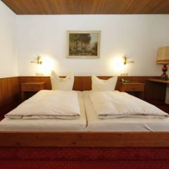 Hotel Neumayr 3* Стандартный номер фото 5