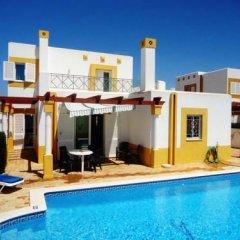 Отель Villa Golfinho Вилла с различными типами кроватей фото 10