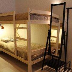 Гостиница Amigo Tzvetnoi Bulvar Кровать в общем номере с двухъярусной кроватью фото 49