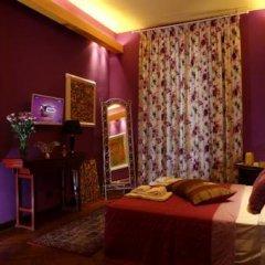 Отель La Casa Dell'Artista Стандартный номер с двуспальной кроватью (общая ванная комната)