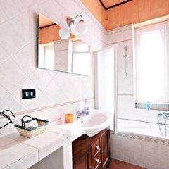 Отель Stairs of Trastevere 3* Стандартный номер с двуспальной кроватью фото 3