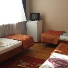 Гостиница Варз-400 2* Стандартный семейный номер с разными типами кроватей