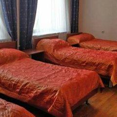 Гостиница Варз-400 2* Стандартный номер с разными типами кроватей (общая ванная комната)