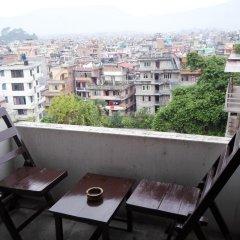 Отель Encounter Nepal Непал, Катманду - отзывы, цены и фото номеров - забронировать отель Encounter Nepal онлайн балкон