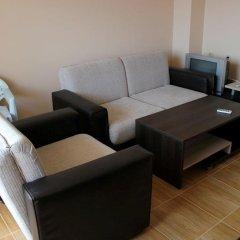 Апартаменты Menada Sky Dreams Apartment Свети Влас комната для гостей фото 4