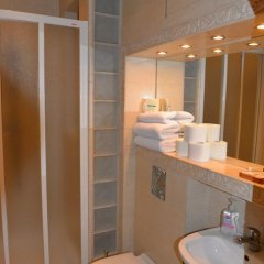 Отель Gotyk House 3* Стандартный семейный номер с двуспальной кроватью фото 7