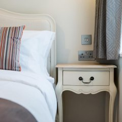 Отель Docklands Lodge London сейф в номере