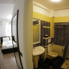 Отель Cocoon Hotel & Lounge Албания, Тирана - отзывы, цены и фото номеров - забронировать отель Cocoon Hotel & Lounge онлайн ванная фото 2