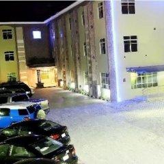 Sabitex Hotel Lekki парковка