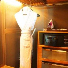 Lake View Hotel сейф в номере