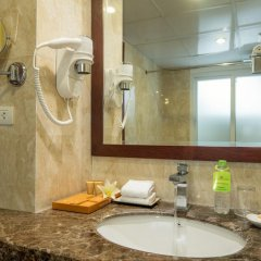 Отель May de Ville Old Quarter 4* Улучшенный номер с различными типами кроватей фото 6