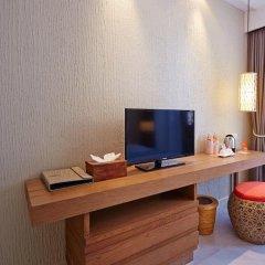 Отель Bandara Phuket Beach Resort 4* Улучшенный номер с двуспальной кроватью фото 3