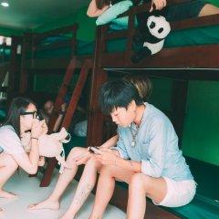 Moments in Bangkok @FM Hostel at Siam Кровать в общем номере с двухъярусной кроватью фото 4