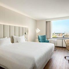 Отель NH Utrecht 4* Улучшенный номер с различными типами кроватей фото 4