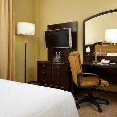 Гостиница Hilton Москва Ленинградская 5* Стандартный номер с двуспальной кроватью фото 2