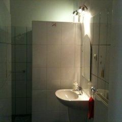 Апартаменты Caterina Private Rooms and Apartments Стандартный номер с различными типами кроватей (общая ванная комната) фото 2