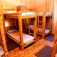 Hostel and Apartments Skadarlija Sunrise Кровать в общем номере с двухъярусной кроватью фото 8