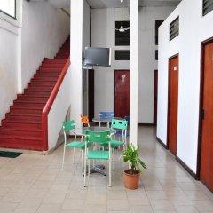 Отель City Motel Шри-Ланка, Коломбо - отзывы, цены и фото номеров - забронировать отель City Motel онлайн интерьер отеля фото 2