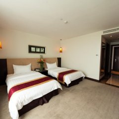 The Hanoi Club Hotel & Lake Palais Residences 4* Номер Делюкс разные типы кроватей фото 2