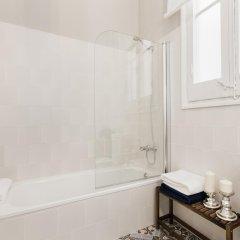 Отель Lumine Luxury Sagrada Familia Барселона ванная