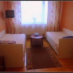Mahtra Hostel Стандартный номер с двуспальной кроватью (общая ванная комната) фото 2