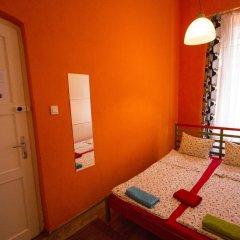Pal's Hostel & Apartments Кровать в общем номере с двухъярусной кроватью фото 3