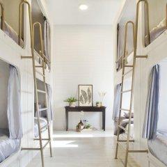 Golden Mountain Hostel Кровать в общем номере с двухъярусной кроватью