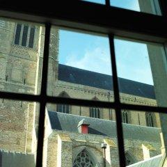 Отель Saint-Sauveur Bruges B&B 4* Номер Делюкс с различными типами кроватей фото 12
