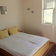 Отель Varbanovi Guest Rooms Болгария, Боженци - отзывы, цены и фото номеров - забронировать отель Varbanovi Guest Rooms онлайн комната для гостей фото 3