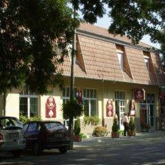 Гостиница Winkler Ház Panzió- Étterem парковка