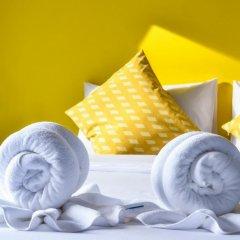 Отель Two Color Patong Номер Делюкс с двуспальной кроватью