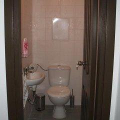 Отель Pinelodge Болгария, Чепеларе - отзывы, цены и фото номеров - забронировать отель Pinelodge онлайн ванная фото 2