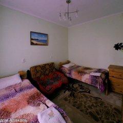 Отель Guesthouse Alakol Кыргызстан, Каракол - отзывы, цены и фото номеров - забронировать отель Guesthouse Alakol онлайн комната для гостей фото 2
