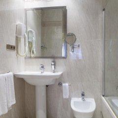 Отель Cervantes Испания, Севилья - отзывы, цены и фото номеров - забронировать отель Cervantes онлайн ванная