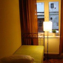 Отель Hostelik Wiktoriański Стандартный номер с 2 отдельными кроватями (общая ванная комната) фото 4