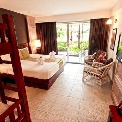Отель Phuket Orchid Resort and Spa 4* Стандартный семейный номер с разными типами кроватей фото 3