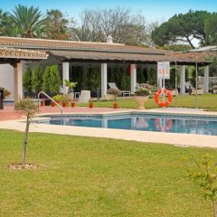Hotel Malaga Picasso бассейн