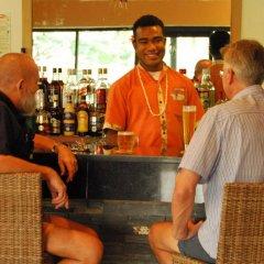 Tanoa Waterfront Hotel гостиничный бар