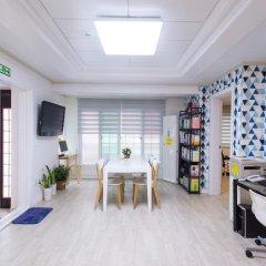 Отель Stay Now Guest House Hongdae Стандартный номер с различными типами кроватей фото 4