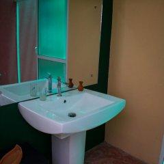 Отель FEEL Villa 2* Стандартный семейный номер с двуспальной кроватью фото 10